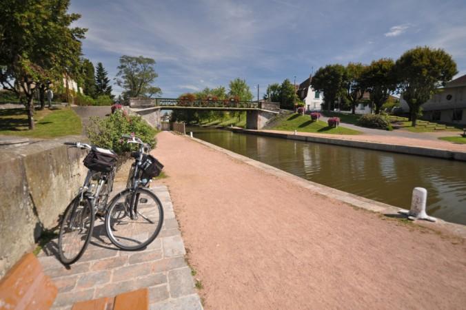 Die schöne Voies Vertes Tour führt dierekt am Kanal entlang und lädt zum pausieren und entspannen ein. (#3)