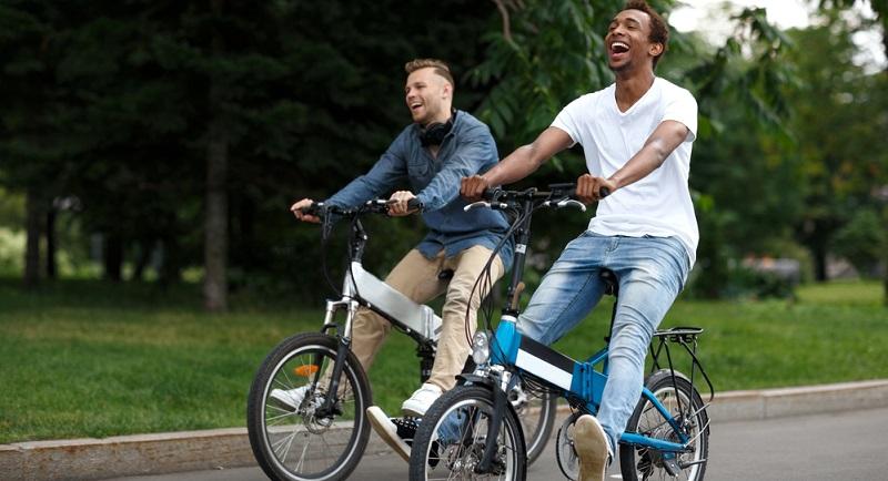 Fast immer wird das E Bike Klapprad als Pedelec angefertigt. Das bedeutet, dass es nicht möglich ist, es ausschließlich mit dem Elektroantrieb – ganz ohne Muskelkraft –zu fahren.(#02
