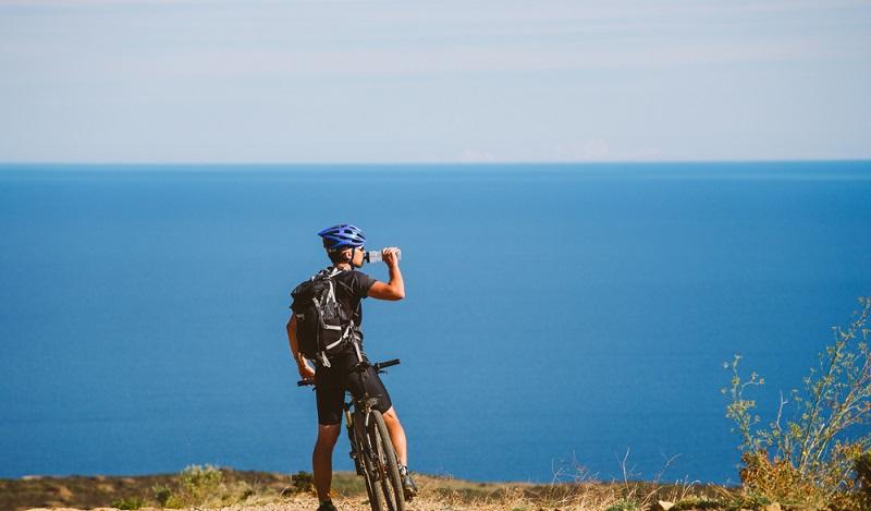 Erst ein Tennismatch und dann eine Radtour ans Meer: Tennis-Urlaub in Cervia muss nicht eintönig sein. (#1)