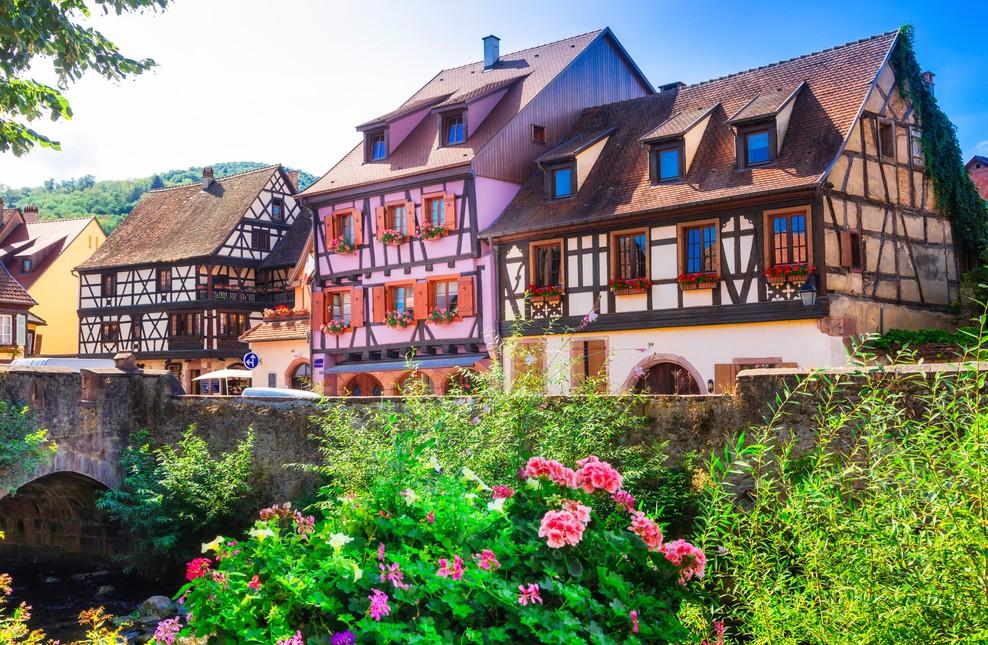 Weitere Fachwerkhäuser in Kaysersberg im Elsaß nahe der Brücke über die Weiss. (#9)