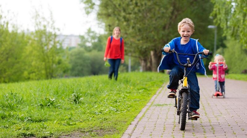 Radfahrer sind grundsätzlich die schwächeren Verkehrsteilnehmer und haben motorisierten Fahrzeugen nichts entgegenzusetzen.