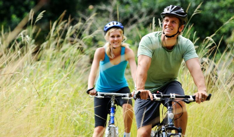 Radtouren durch NRW bieten sportlichen Erholungssuchenden vielfältige Möglichkeiten, die Landschaft in eigenem Tempo zu erkunden