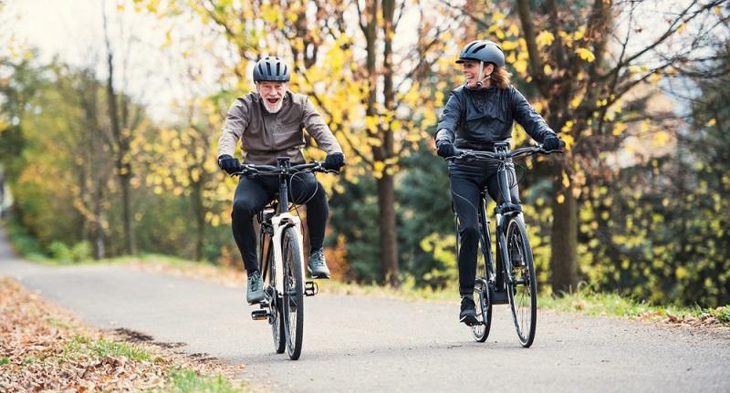 Eigentlich sollte ein E-Bike nicht zu Wettrennen genutzt werden. ( Foto: Shutterstock-Halfpoint )