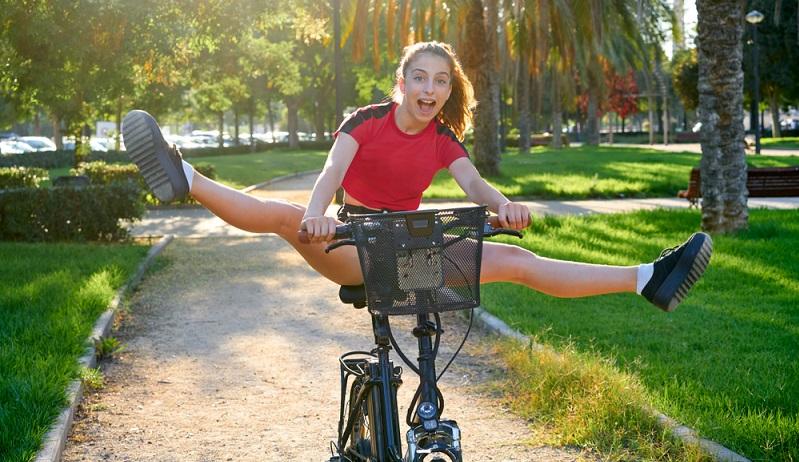 An zwei Tagen in der Woche Sport machen, hilft beim Abnehmen und Spaß macht es auch. ( Foto: Shutterstock- lunamarina )